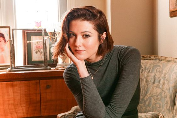 Mary Elizabeth Winstead's Beauty Routine   Into The Gloss