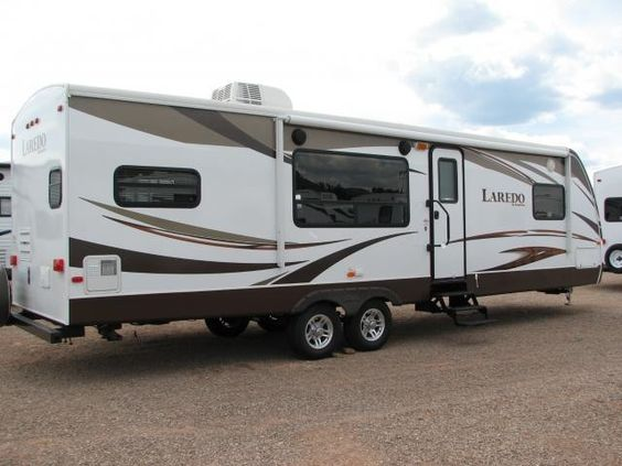 2013 KEYSTONE LAREDO 294RK Located on I-90 in Summerset, South #Dakota, in between #RapidCity and #Sturgis. #Campers & #RV