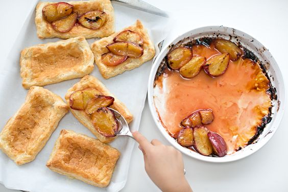 hello, Wonderful - EASY ROASTED PEACH TARTS