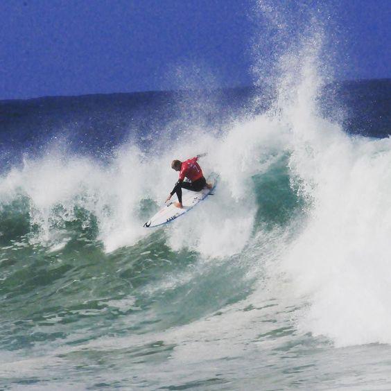 TB to my favourite place #bellsbeach #ripcurlpro #victoria #belonggeelong #Fanno #surf  @sirmark.richards by ebcurwood9 http://ift.tt/1KnoFsa