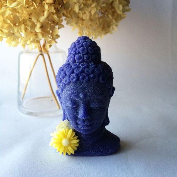 手のひらサイズの仏陀様のアロマキャンドルです。火を灯して瞑想などをしてみたら、なんともありがたい静粛な気分になるかも??-------------------...|ハンドメイド、手作り、手仕事品の通販・販売・購入ならCreema。