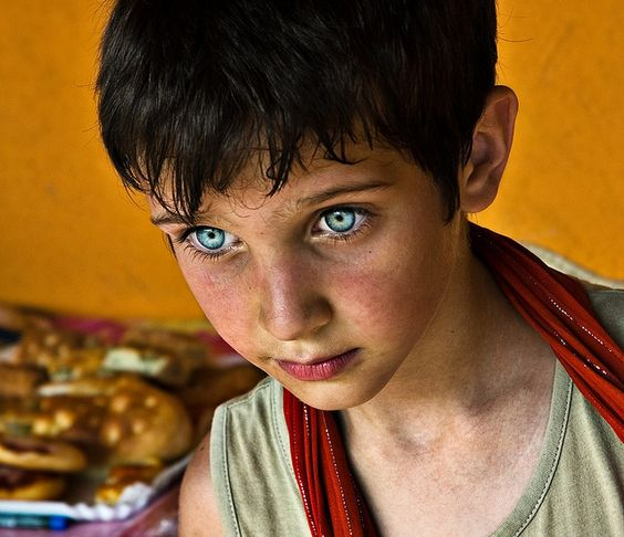10 Most Beautiful Eyes of Ordinary People | 10awesome.com