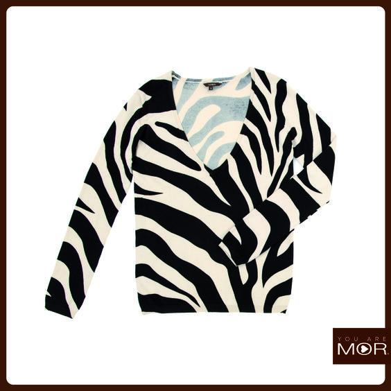 Sweater escote en V, print zebra Cód. 42168 / Precio $34,990