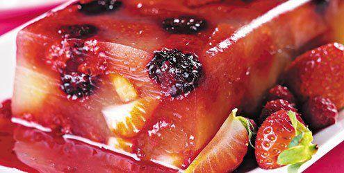 gelatina recheada com frutas