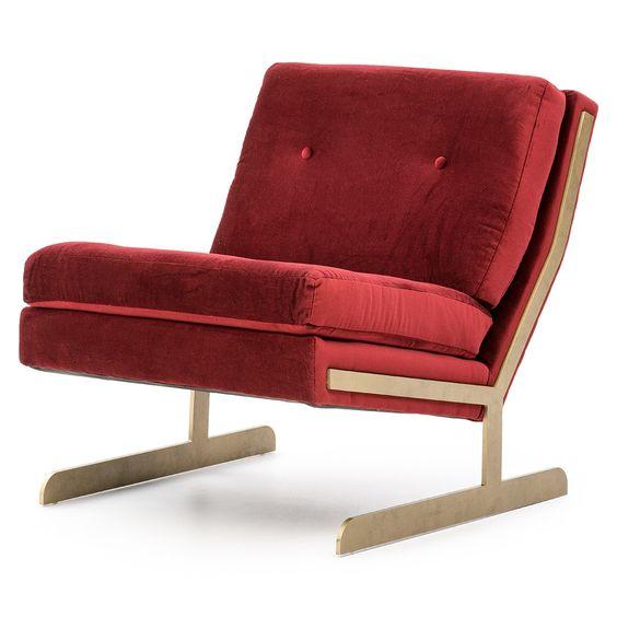 WOMY - Chaise. Pour ce qui est des meubles hautement stylisés et confortables à la fois, c'est vers le milieu du siècle qu'il faut se tourner.  // When it comes to creating comfortable and highly-stylish furniture, mid-century knows best.