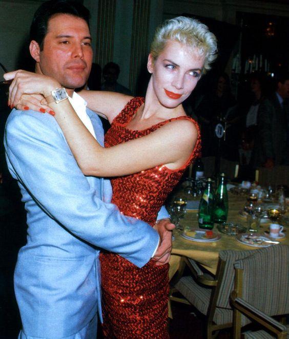 Freddie Mercury y Annie Lennox