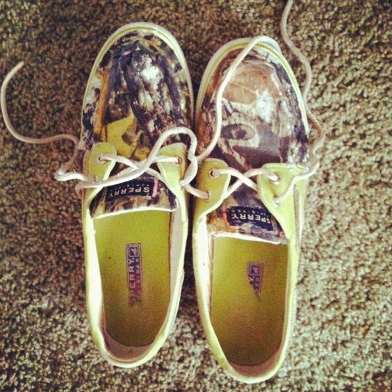 Camo sperrys! i want these!