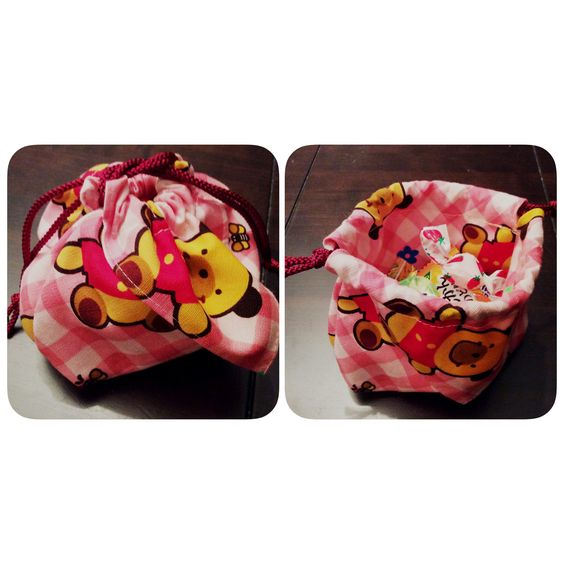 """Upcycle""  I made a snack candy bag from a kids small handkerchief.  子供のハンカチを使って小さなおやつ袋"