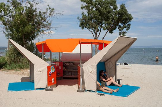 mobile beach library by matali crasset in istres, france - designboom: