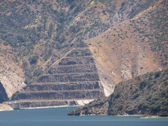 Pyramid Lake, Located Just Off The 5 Freeway Near Castaic, California, Is A