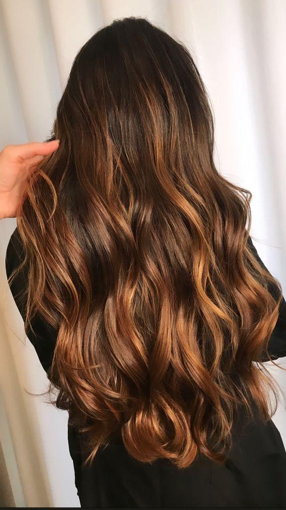cabelos com luzes mel grande