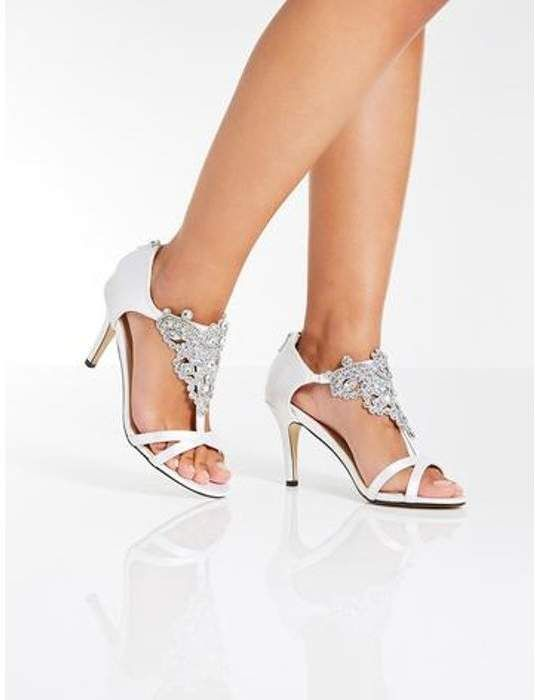 Dorothy Perkins Womens Quiz White Satin Bridal Sandals Quiz Sandals Featuring A Jewel And Diamante Desig Bridal Sandals Wedding Shoes Low Heel Bridal Shoes
