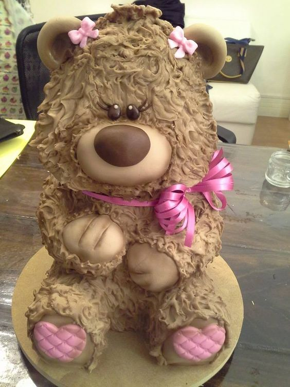 Bolo esculpido Ursa...Coisinha mais fofa...