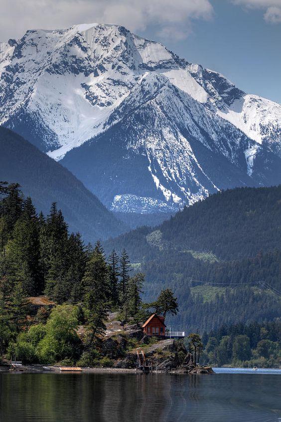 Majestic Anderson Lake - BC, Canada