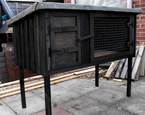 Rabbit Hutch Made From Old Pallets: