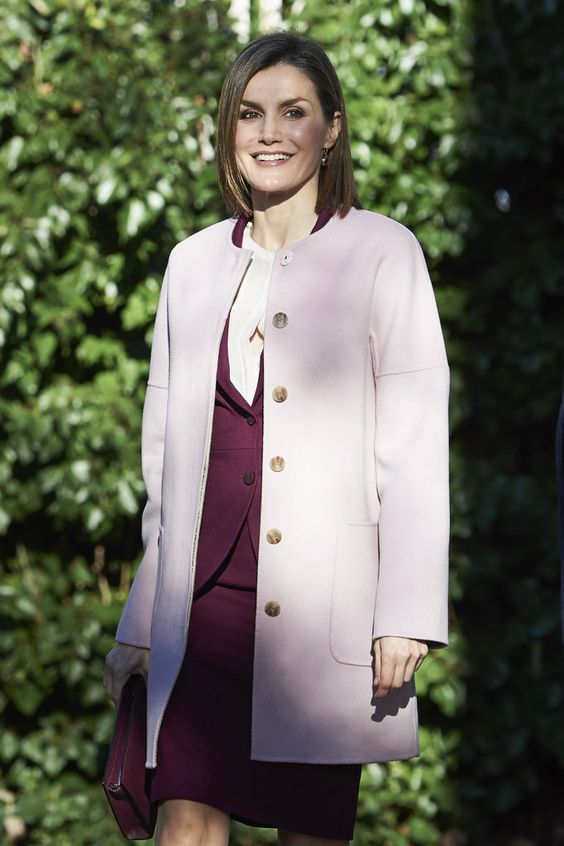 Queen Letizia just keeps raising the style bar. The Spanish royal put her long legs on display in her latest never-before-seen Winter chic ensemble, featuring some major and superchic monochromatic action.