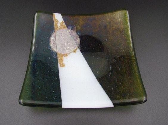1000+ images about Glass plates on Pinterest | Fused glass plates ...