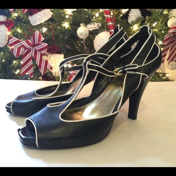 Black white heels open toe size 10 Super cute. Light wear. Worthington Shoes Heels