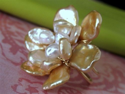 GARDENIA BLOSSOM (champagne) large cocktail freshwater pearl wire wrap ring