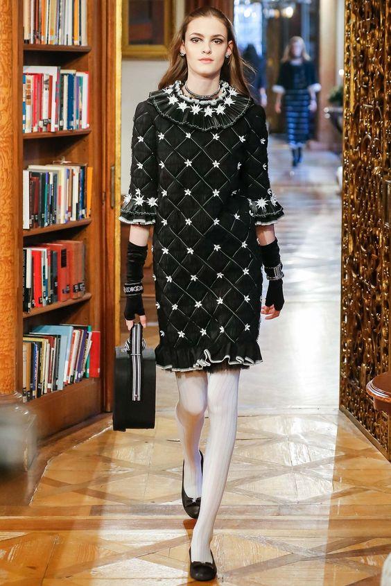 Chanel Pre-Fall 2015 Fashion Show - Kremi Otashliyska