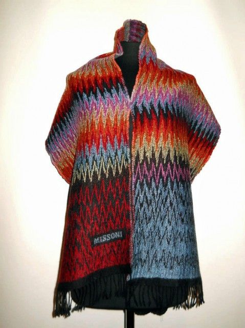 """Fular """"Missoni"""" model zigzagat anii '80 http://www.vintagewardrobe.ro/cumpara/fular-missoni-model-zigzagat-anii-80-7494615 #vintage #vintagewardrobe #vintageautentic#missoni #missoniscarf #winteriscoming"""