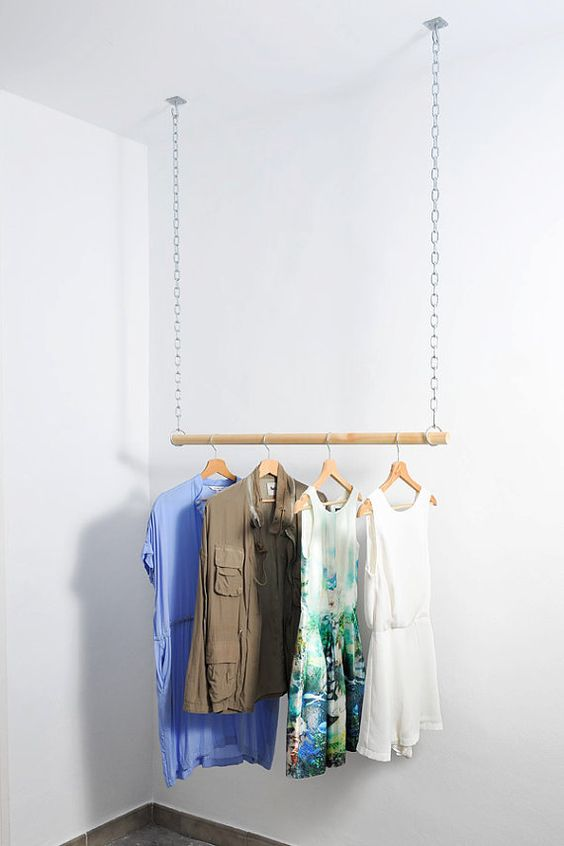 Wooden Floating Hanging Clothes Rack van AvelereDesign op Etsy