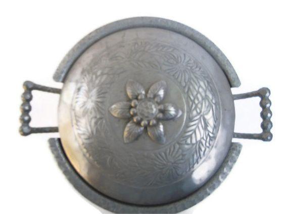 EVERLAST Aluminum Bowl  Hammered Casserole Dish  by BeckVintage, $18.00