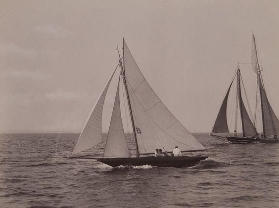 Sailing - http://nos.twnsnd.co/