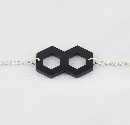 Kiss me zombie - Walk on by - Bracelets - Bracelet géométrique noir ajustable ...