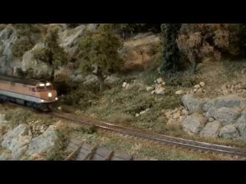 D&RGW Ski Train P40PH KATO N scale - YouTube