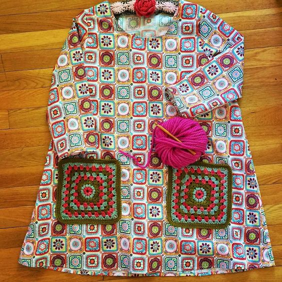 What does a member of the @crochetgirlgang wear? Why a granny square frock with granny pockets of course! Heh heh heh... Pattern is #100actsofsewing @sonyaphilip #dressnumbertwp #dressno2 Fabric is by @josephinekimberling #ridinghood #sew #sewing #slowfashion #crochet #crocheter #crochetersofinstagram #crochetersofig #crochetersoftheworld #grannysquare #grannysquares #grannysquaresrock #handmade #handmadedress For my girl @ilovevango84 #crochetgirlgang by maizehutton