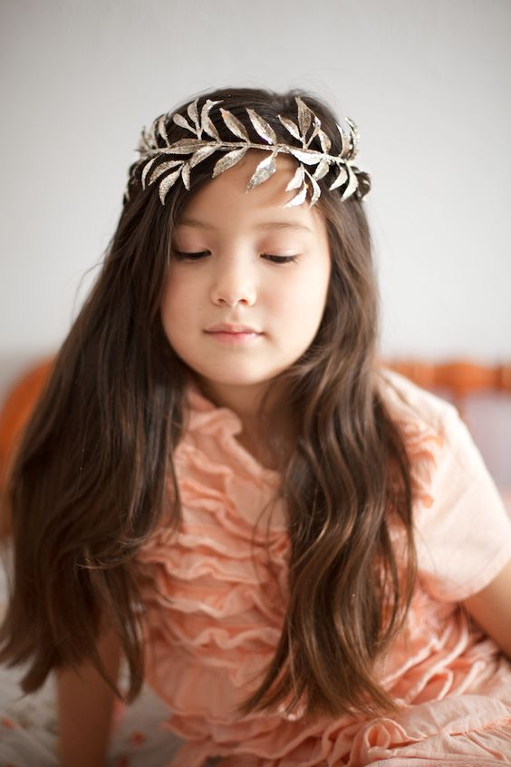 ~Ruffles And Stuff~: DIY Leaf Crown!