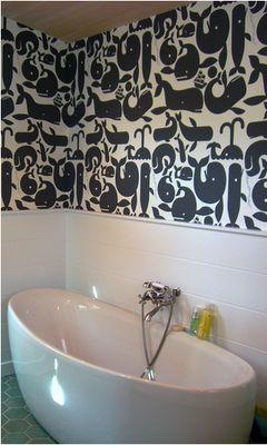 fun + simple = lovely bathroom: Whale Bathroom, Whales Wallpaper, Kids Bathroom, Wall Paper, Bathroom Idea, Bathroom Wallpaper, Kid Bathrooms, Cute Wallpapers