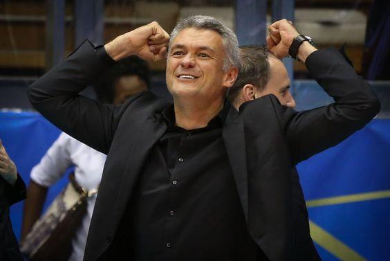 Gert Vande Broek, our women's national team. He is a truly great coach!