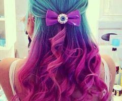 Love the colors of her hair!