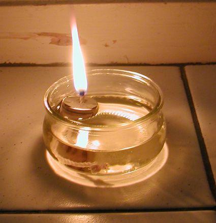 Fabriquer une lampe à huile toute simple pour le jardin et citronnelle anti moustique