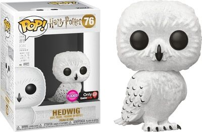 >76 Hedwig Flocked Funko Pop