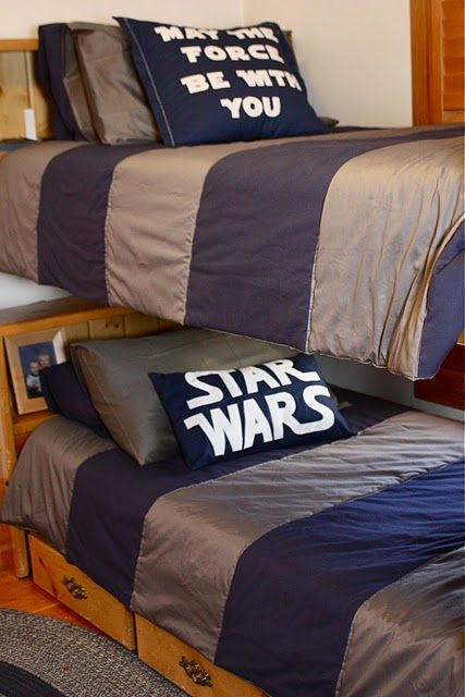 I think I need to do this for A3's room when he gets bigger.  Just hope my hubby will still slep in the same room as me. Or maybe I should just decorate our room like this.
