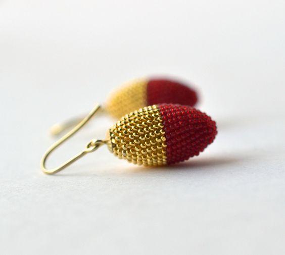 Gold Ohrringe - Oliven Ohringe rot-goldene Glasperlen - ein Designerstück von…