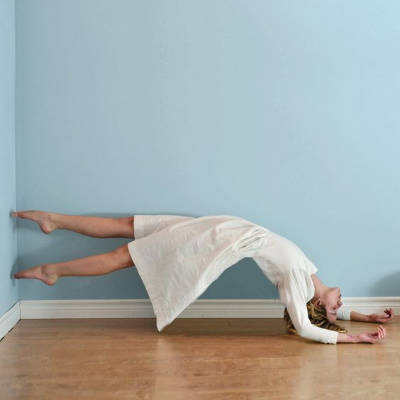 Wall, floor combination, rotation |   Lissy Elle #dance #photography