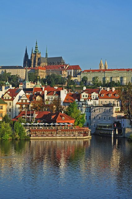Czech Republic - Prague - Castle in the morning | Flickr - Photo Sharing!