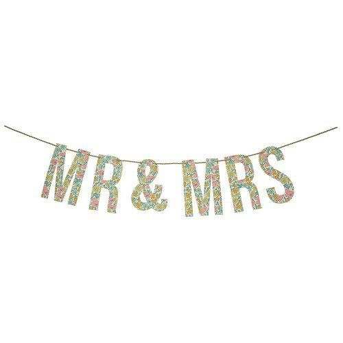 """Celebrate the new """"Mr. and Mrs."""" with the perfect garland!"""
