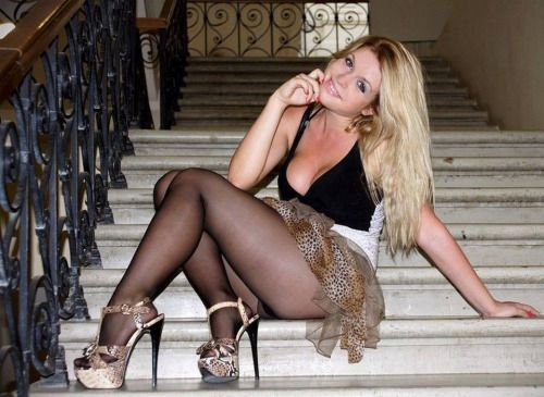 Attention getting pantyhose