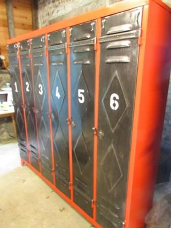 Metal lockers for sale on SalvoWEB