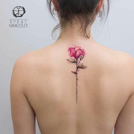 1001 Ideas Sobre Tatuajes Simbolicos Originales Tatuaje De Flor Delicada Tatuaje De Flores En La Espalda Tatuajes Florales