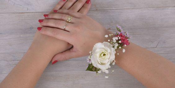Vuoi Avere Un Look Tutto Tuo Ed Essere Alla Moda Crea Questo Bellissimo Braccialetto Floreale Http Trauzeugin Armband Blumen Blumen Armband Armband Hochzeit