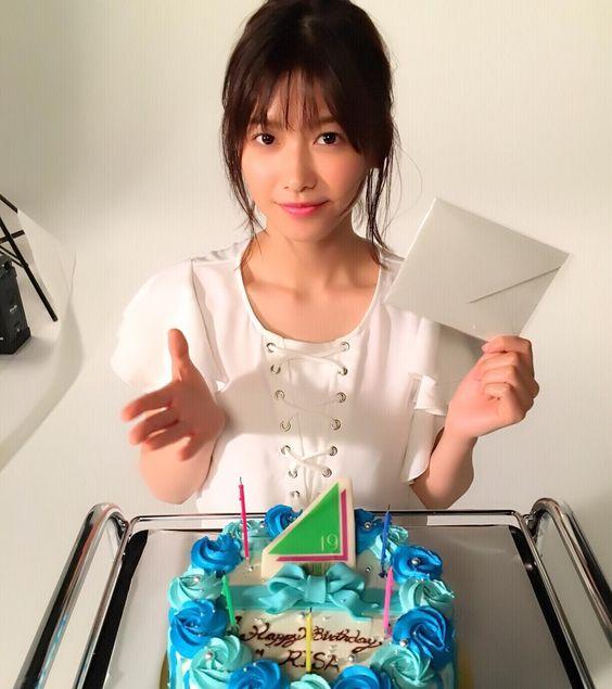 お誕生日ケーキと渡邉理佐