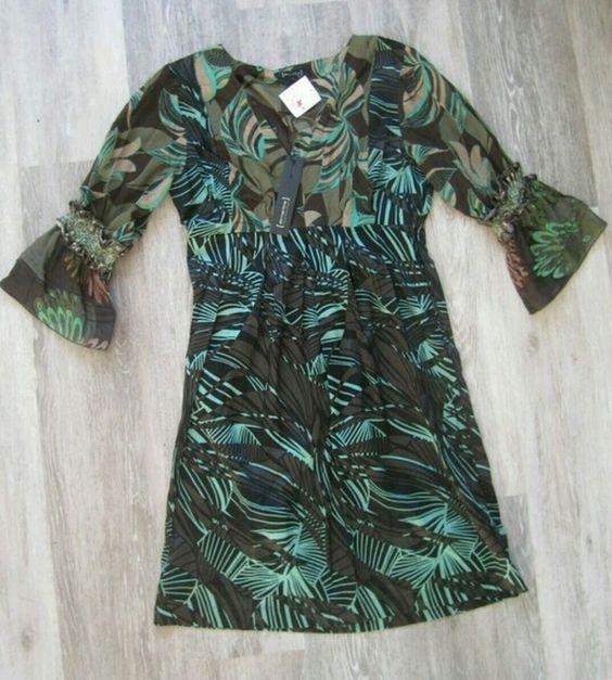 Buntes Kleid von St. Martins