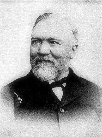 Andrew Carnegie (1835-1919), uno de los grandes magnates de la industria estadounidense de su tiempo, en 1870 fundó Carnegie Steel Company que más tarde sería la acería más importante del mundo. (Public Domain) #miercolesretratos #EnciclopediaLibre