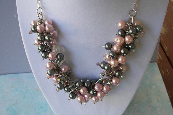 Pink and Gray Pearl Cluster Neclklace